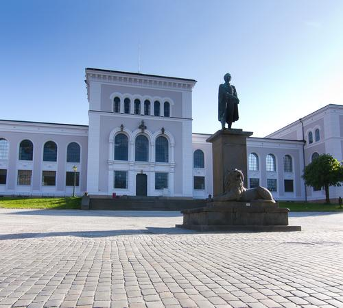 The picture shows Bergen Museum.