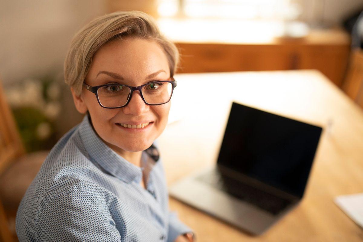 Alyona Oftedahl lærer å programmere