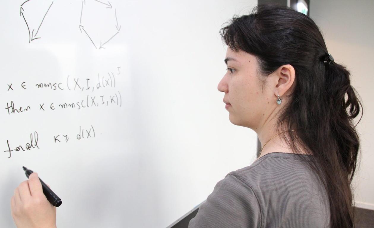 Ana Ozaki jobber med kunstig intelligens