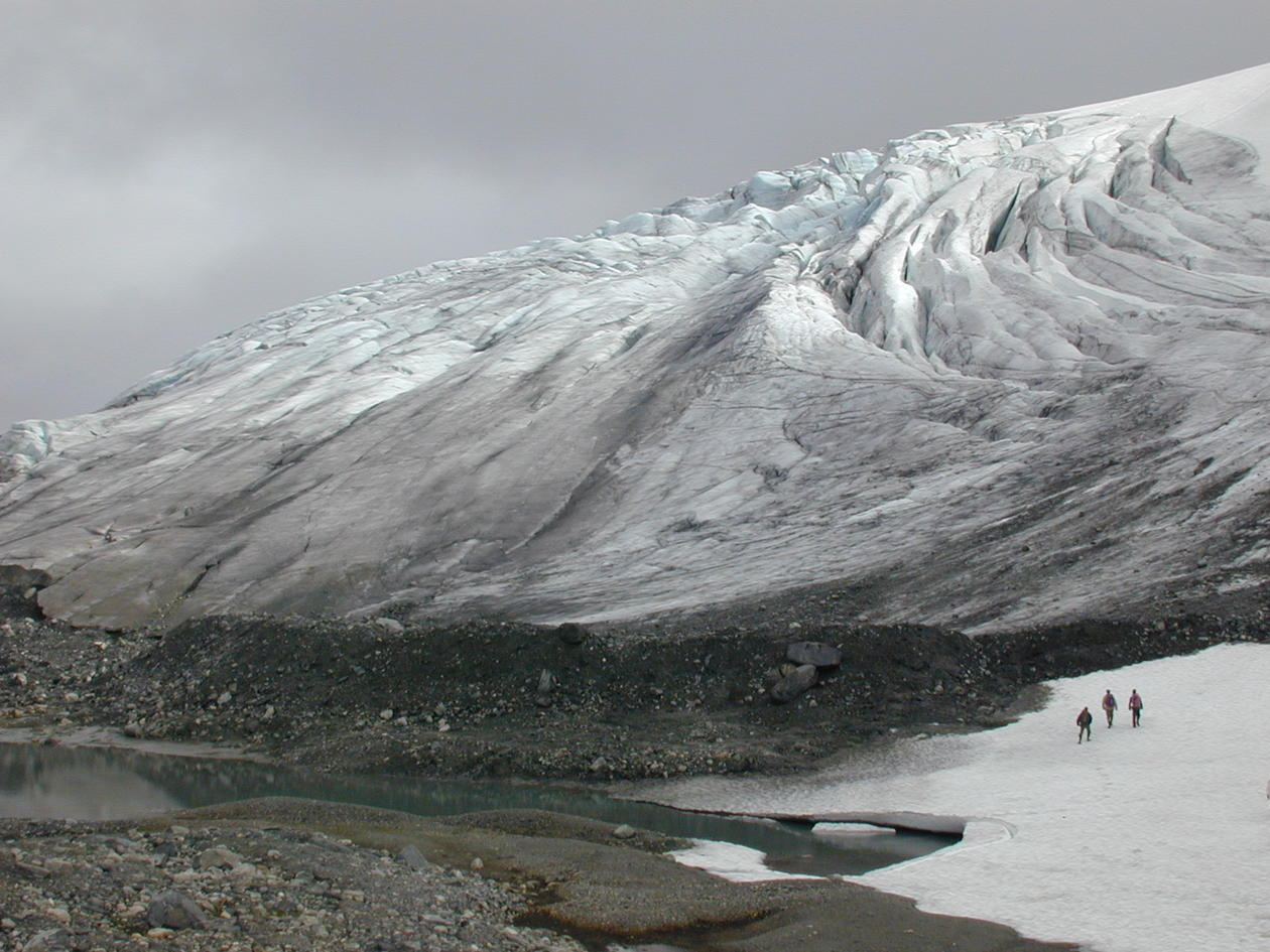 Studenter i felt på en isbre, Blåisen