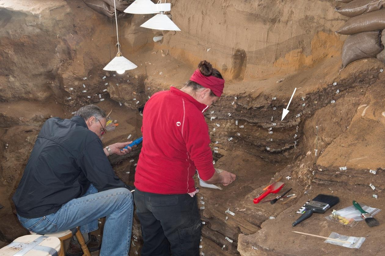 Excavating Blombos Cave finding world's oldest drawing