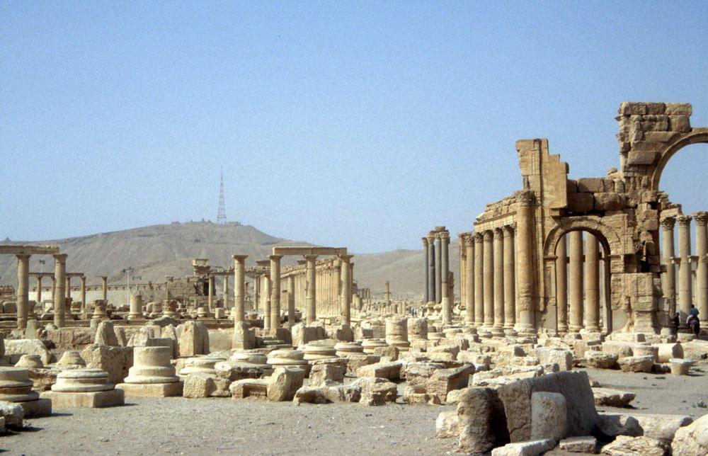 Bilde av oldtidsruinene i Palmyra