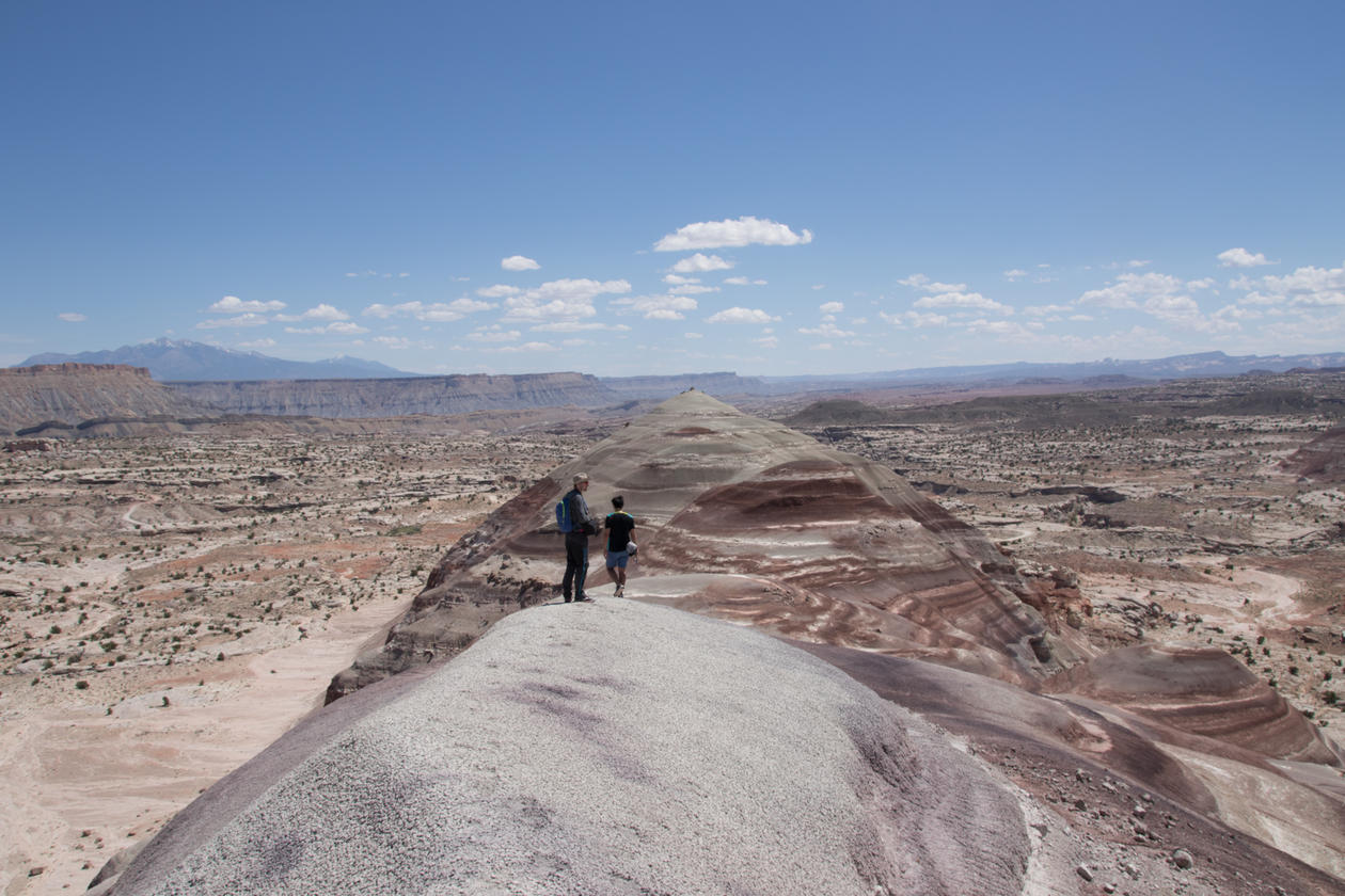 Geology students on a field course in Utah. The main focus of this field course is sedimentology and structural geology.