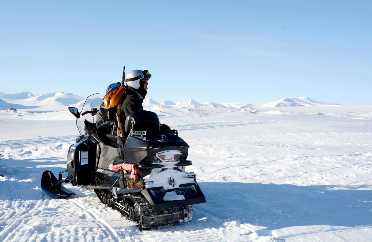 Snøscooter på Svalbard