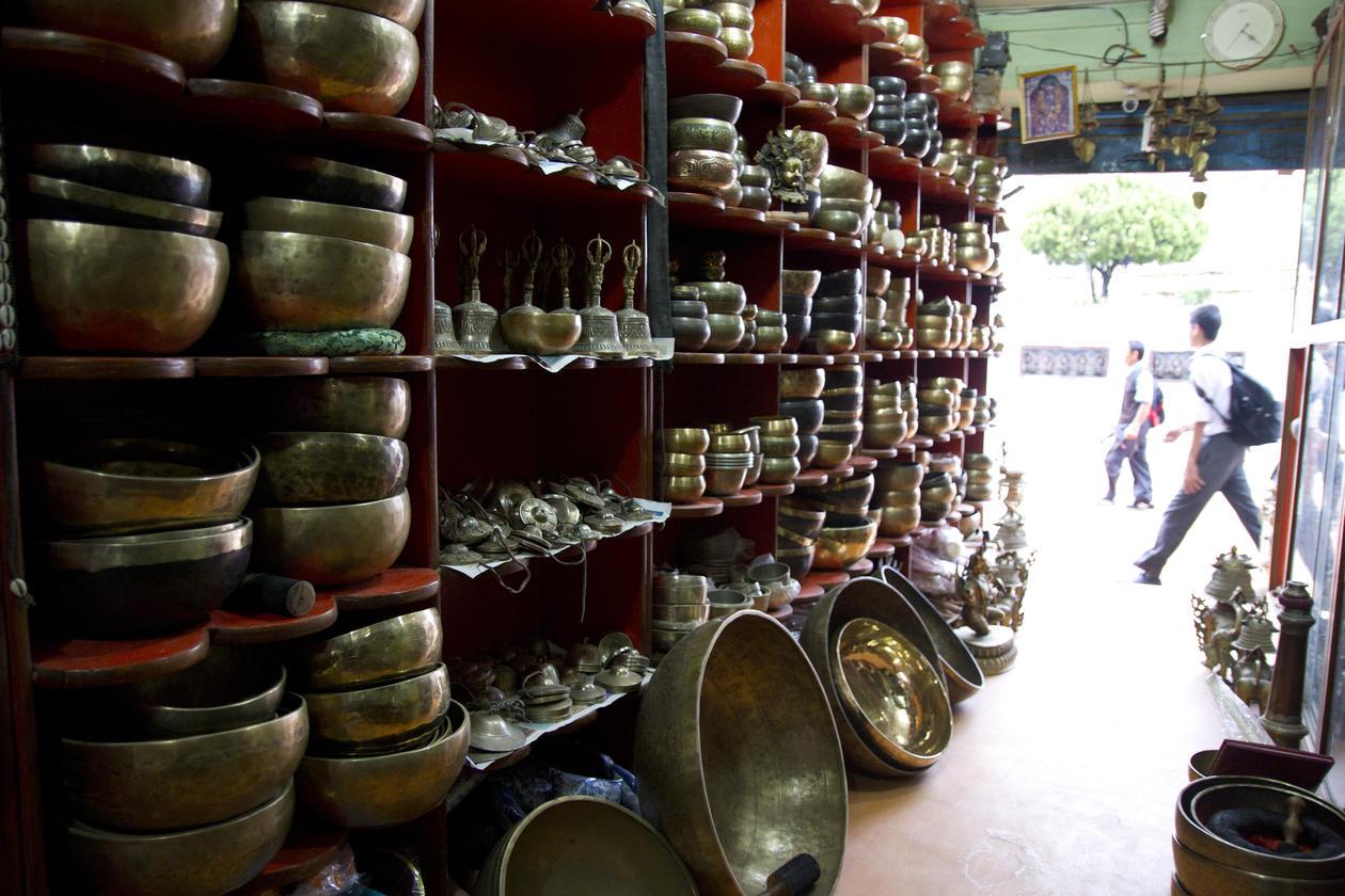 Syngeboller til salgs i Kathmandu