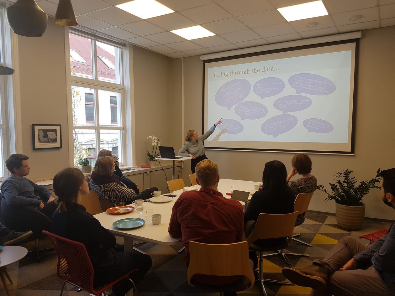 Bjånesøy presenting at lunch seminar