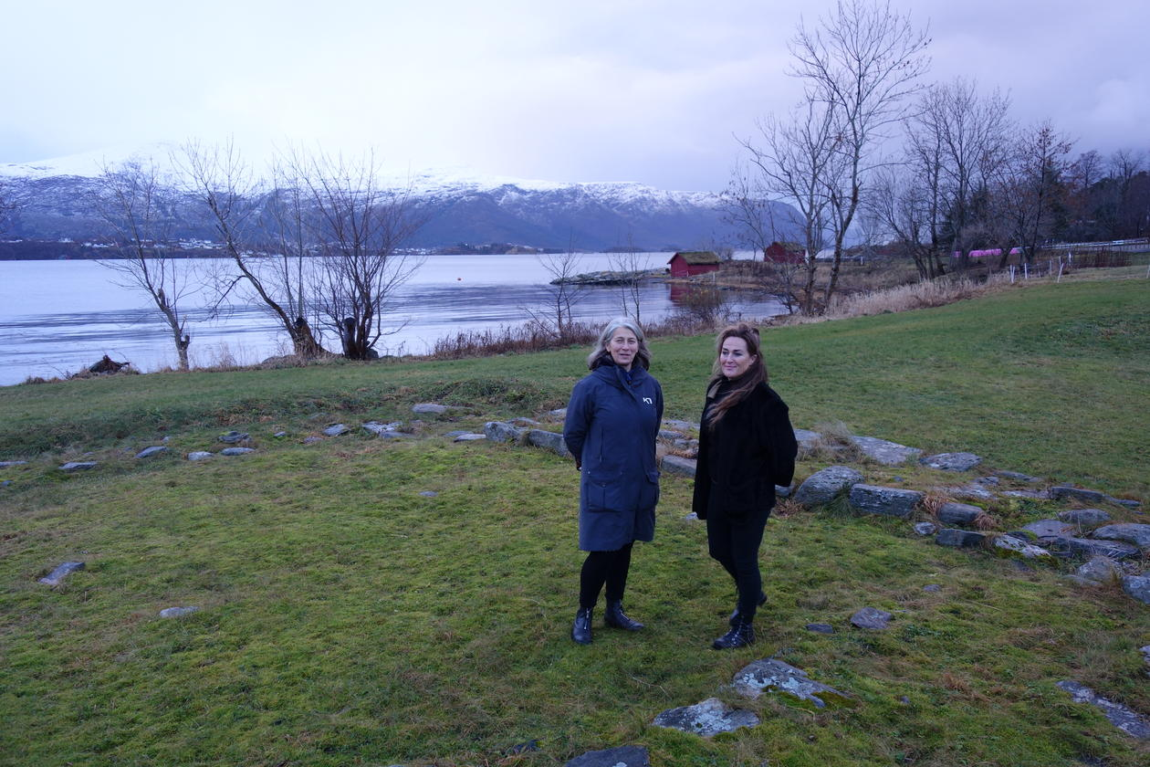 Gitte and Heidi visiting Borgund