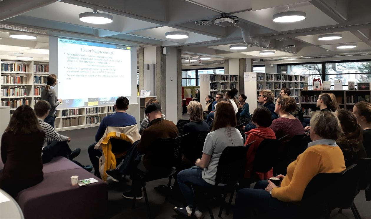 Popular science talk in the library
