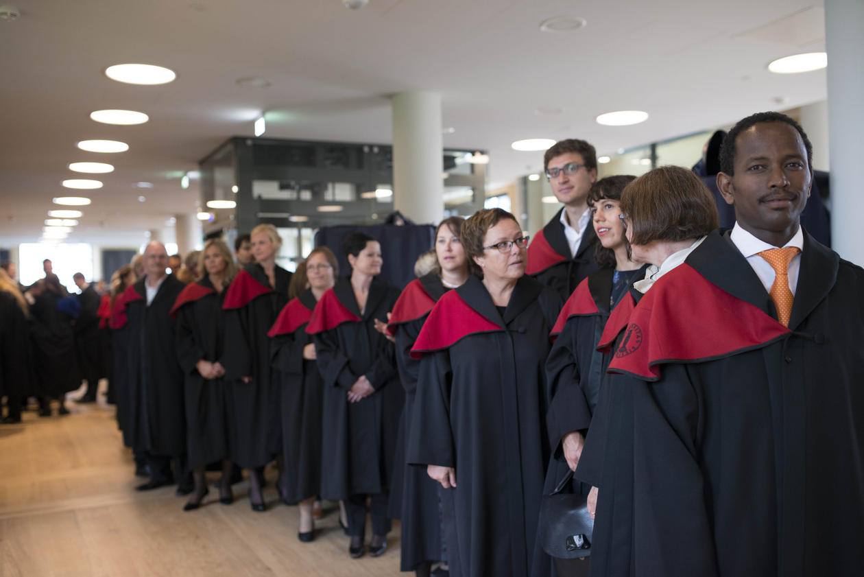 Bilde fra doktorpromosjon i Universitetsaulaen