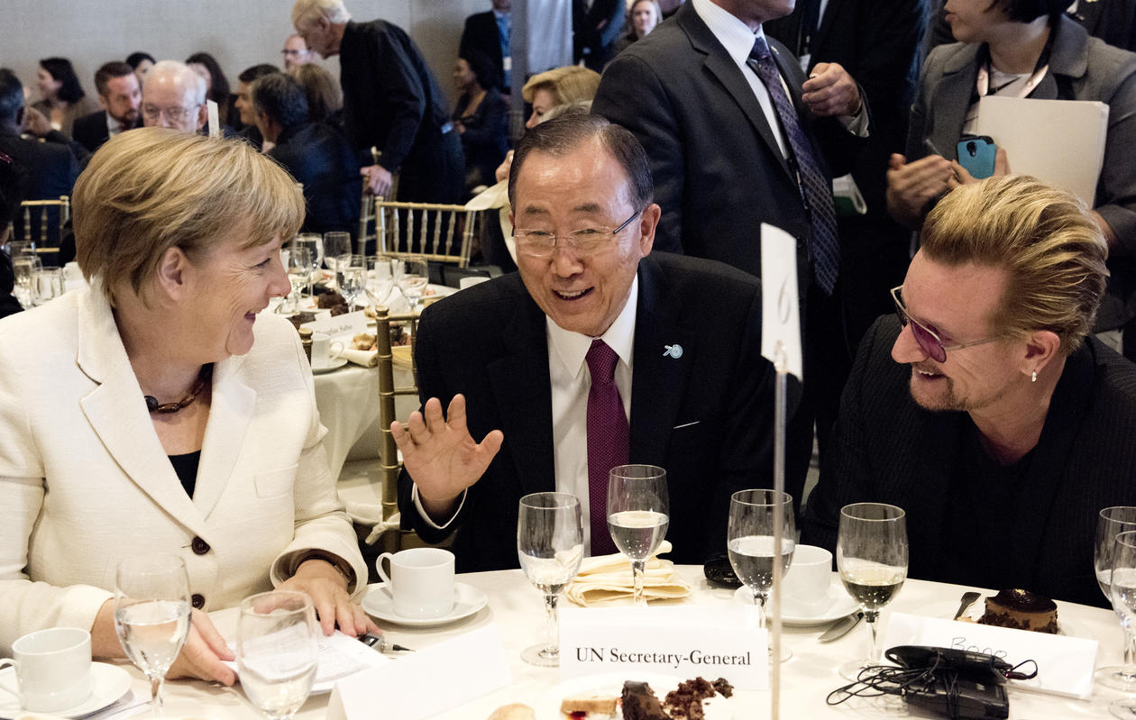Ban Ki-moon, Angela Merkel, Bono
