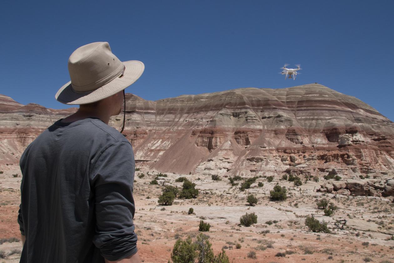 Feltarbeid med drone i Brushy Basin-leddet i Utah. Foto: Christian Haug Eide