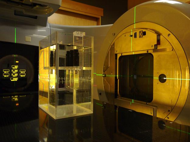 Oppsett for måling av nøytrondose frå fotonterapi ved Haukeland Universitetssjukehus