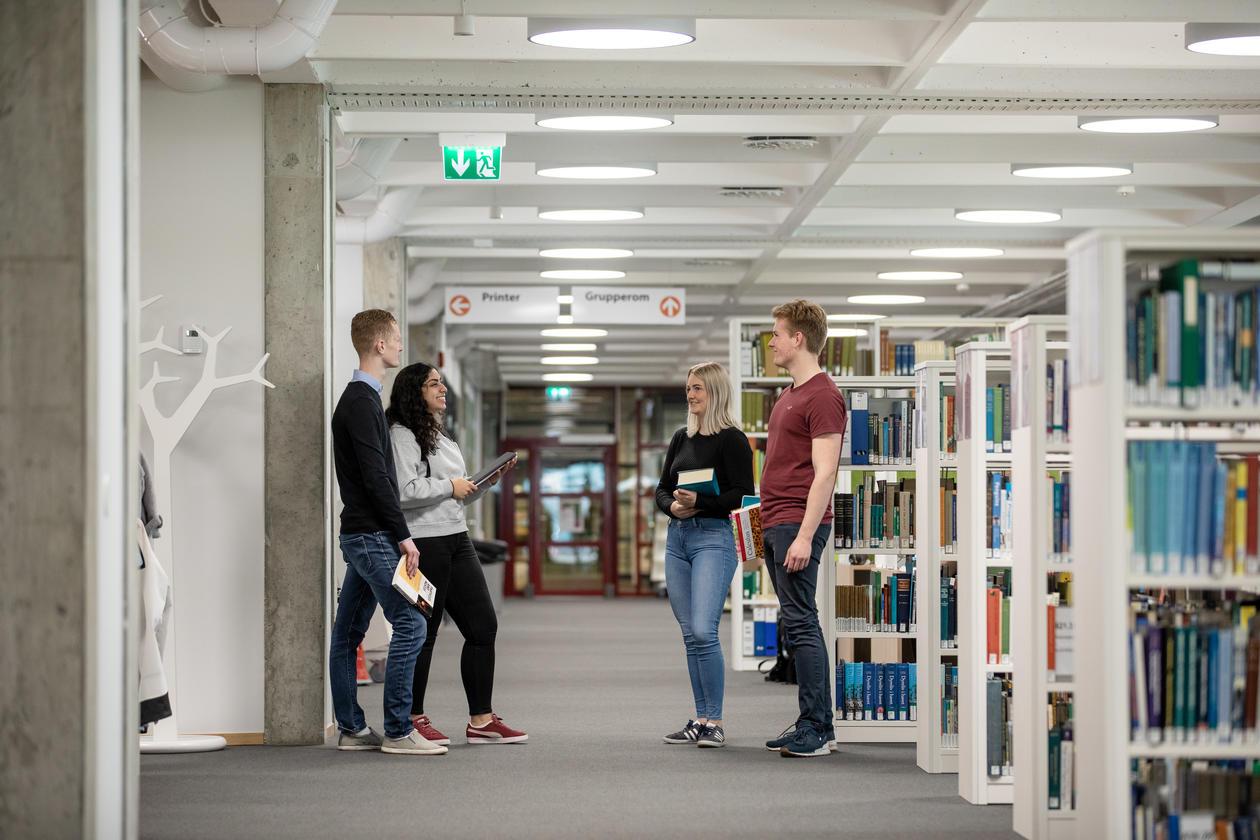 Studenter på Læringssenteret, UiB