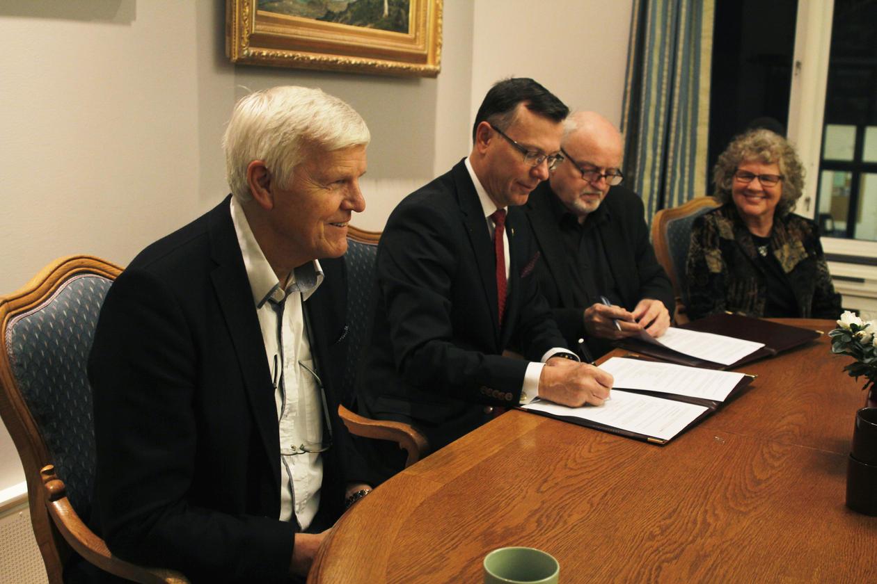 Senter for Krisepsykologi ble 19. desember formelt overført til UiB