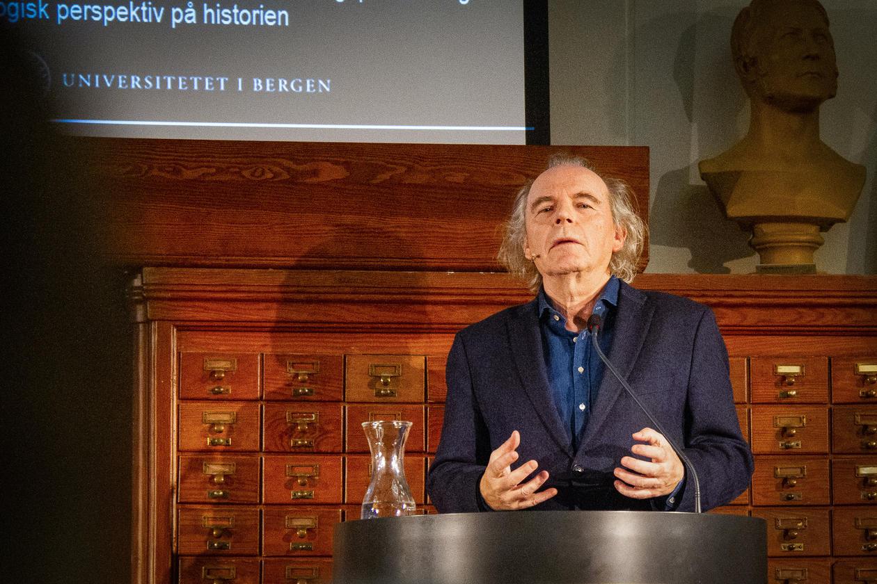 Terje Tvedt holder foredrag på Nasjonalbiblioteket