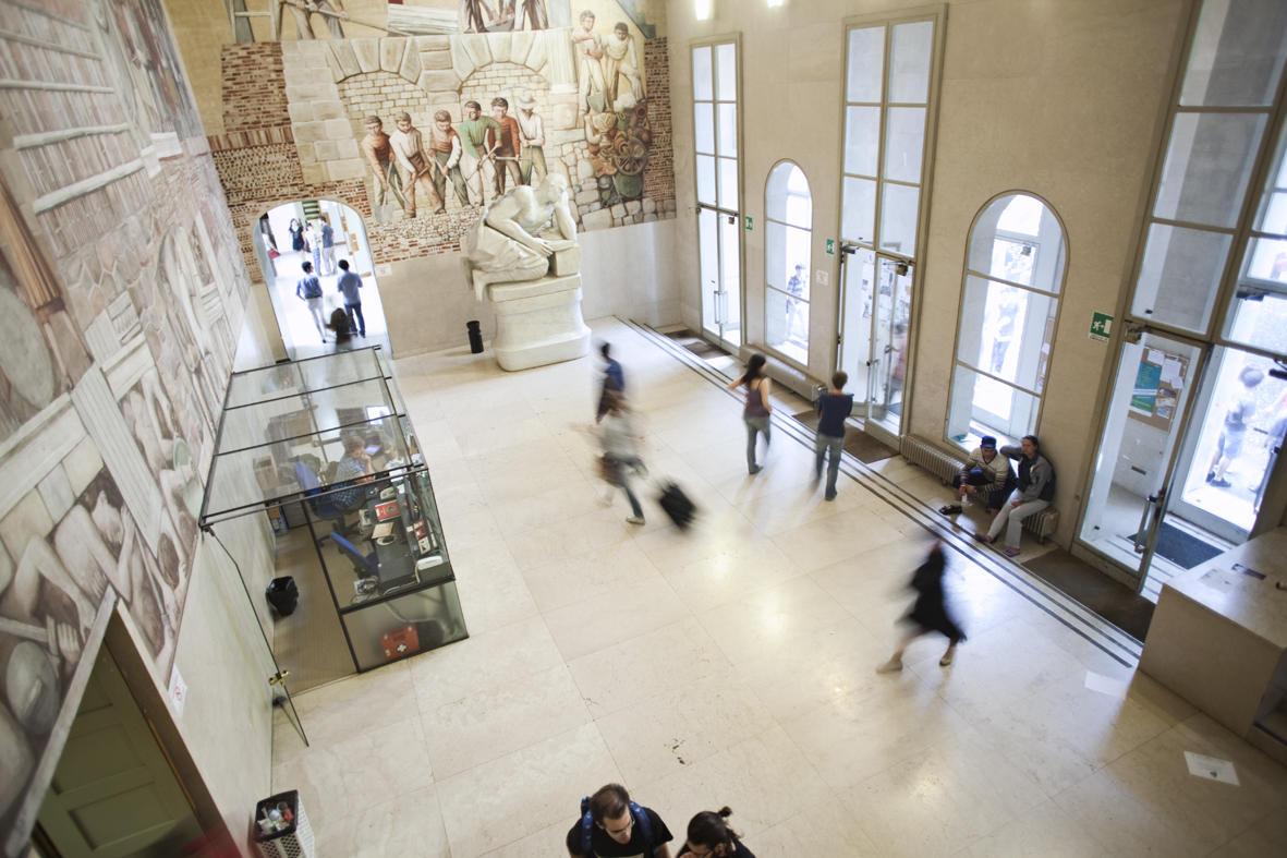 Inne i museum