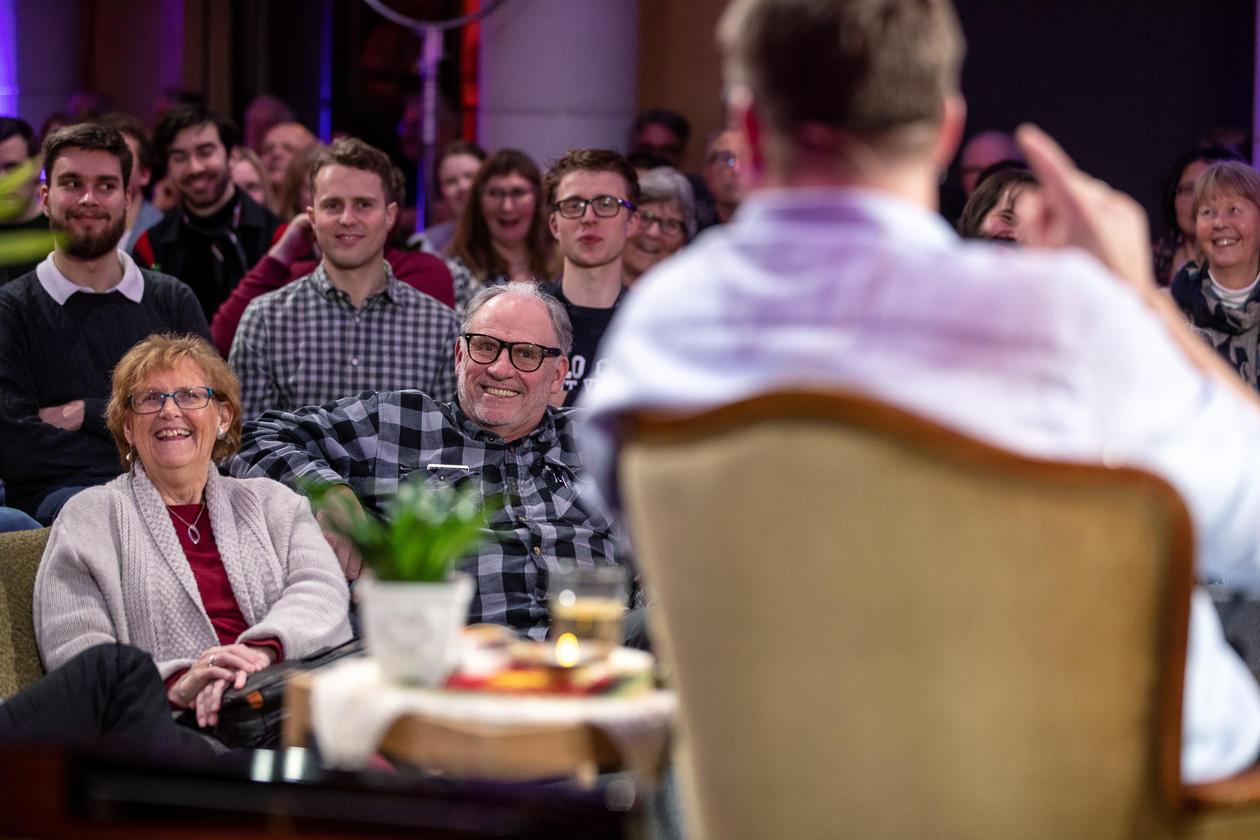 Aarebrotforelesningen publikum ler