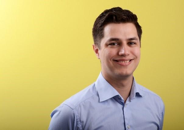 Patrick har en bachelorgrad i datavitenskap fra UiB. I dag jobber han som systemutvikler i Knowit, der han også hadde sommerjobb mens han var student.