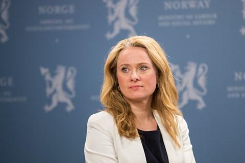 Anniken Hauglie, arbeids- og sosialminister