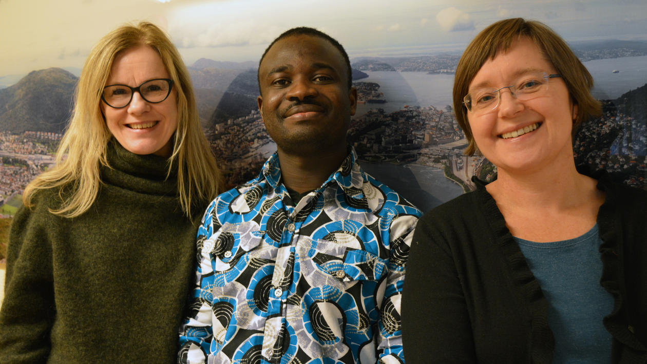 Ragnhild Overå with her helpers Anne-Kathrin Tomassen and Festus Boamah.