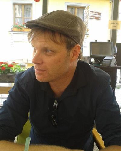 Professor Asbjørn Grønstad