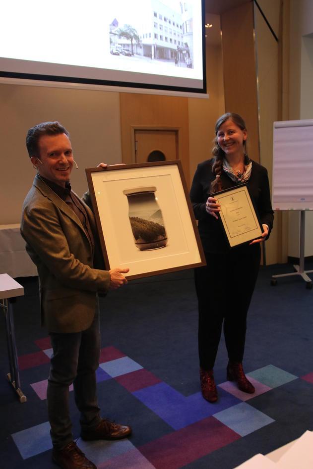 Janne grønli mottar studiekvalitetsprisen ved psykologisk fakultet 2019