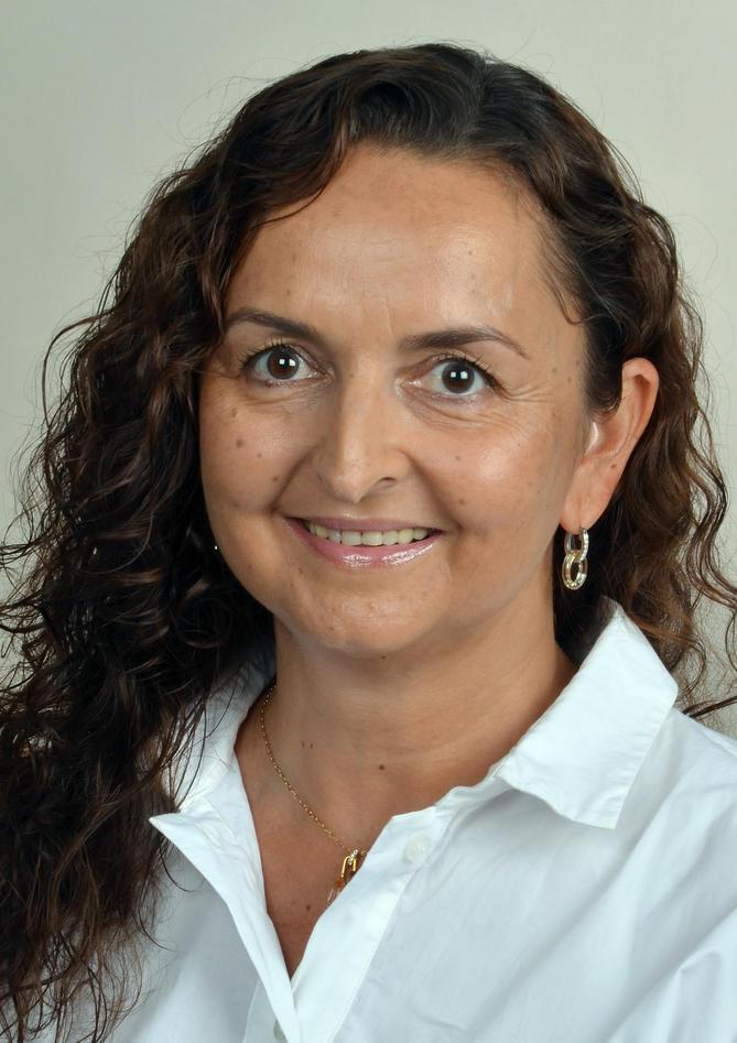 Mona Badawy.