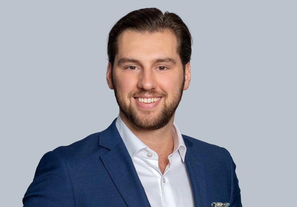 Magne Dybedal, Åsta Haukås og Camilla Bjørke presenterer boken