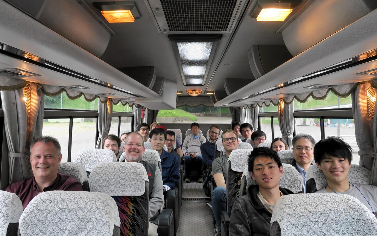 Fornøyde norske og japanske studenter og forskere klare for tur til Tono by. Foto: Munetaka Shimuzu Opphavsrett: Munetaka Shimuzu