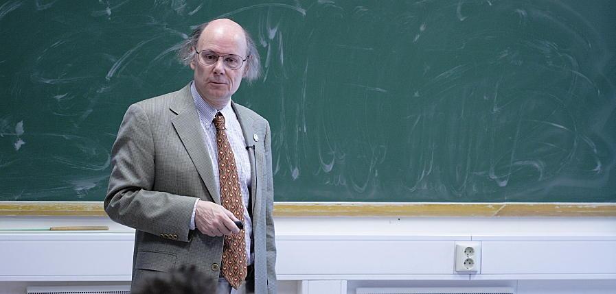 Bjarne Stroustrup: The Continuing Evolution of C++ | Department of Informatics | University of ...