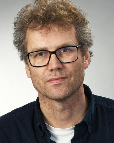 Professor Bjarne Robberstad