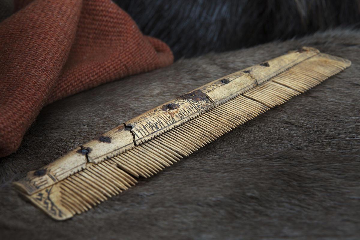 Praktkam med runeinnskrift