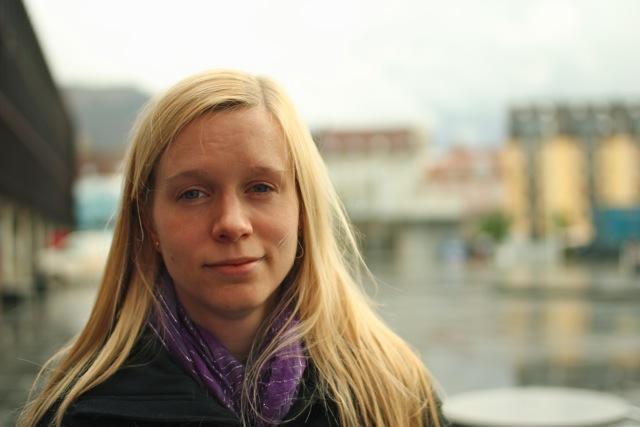 Brita Ytre-Arne er førsteamanuensis ved Institutt for informasjons- og medievitenskap, og forsker på hvordan nordmenn knytter seg til offentligheten gjennom mediebruk.