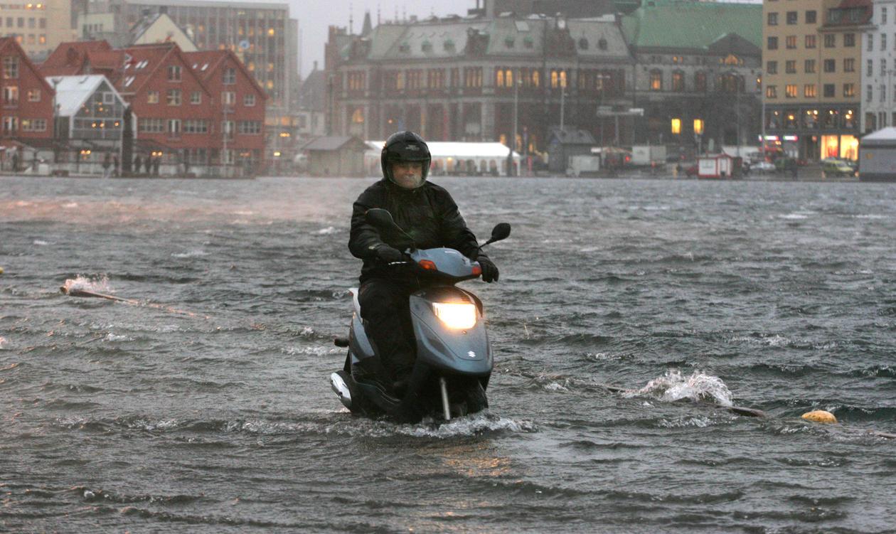 Bryggen, moped
