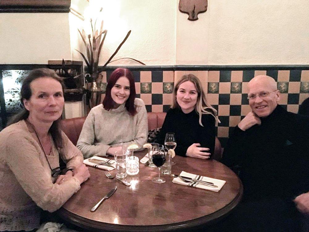 På café i Montreal