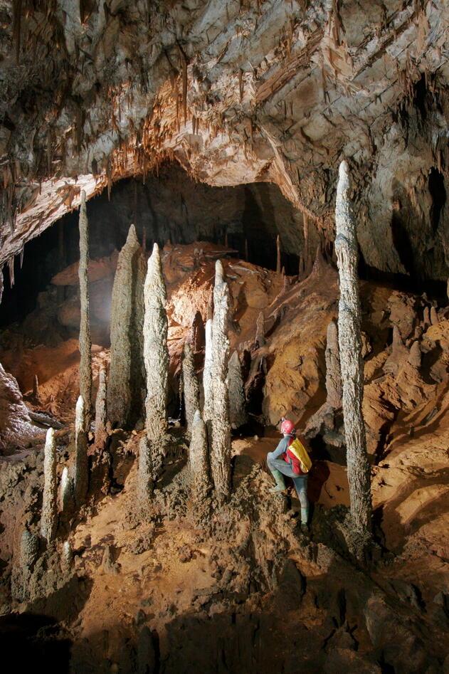 cave3 stalagmites