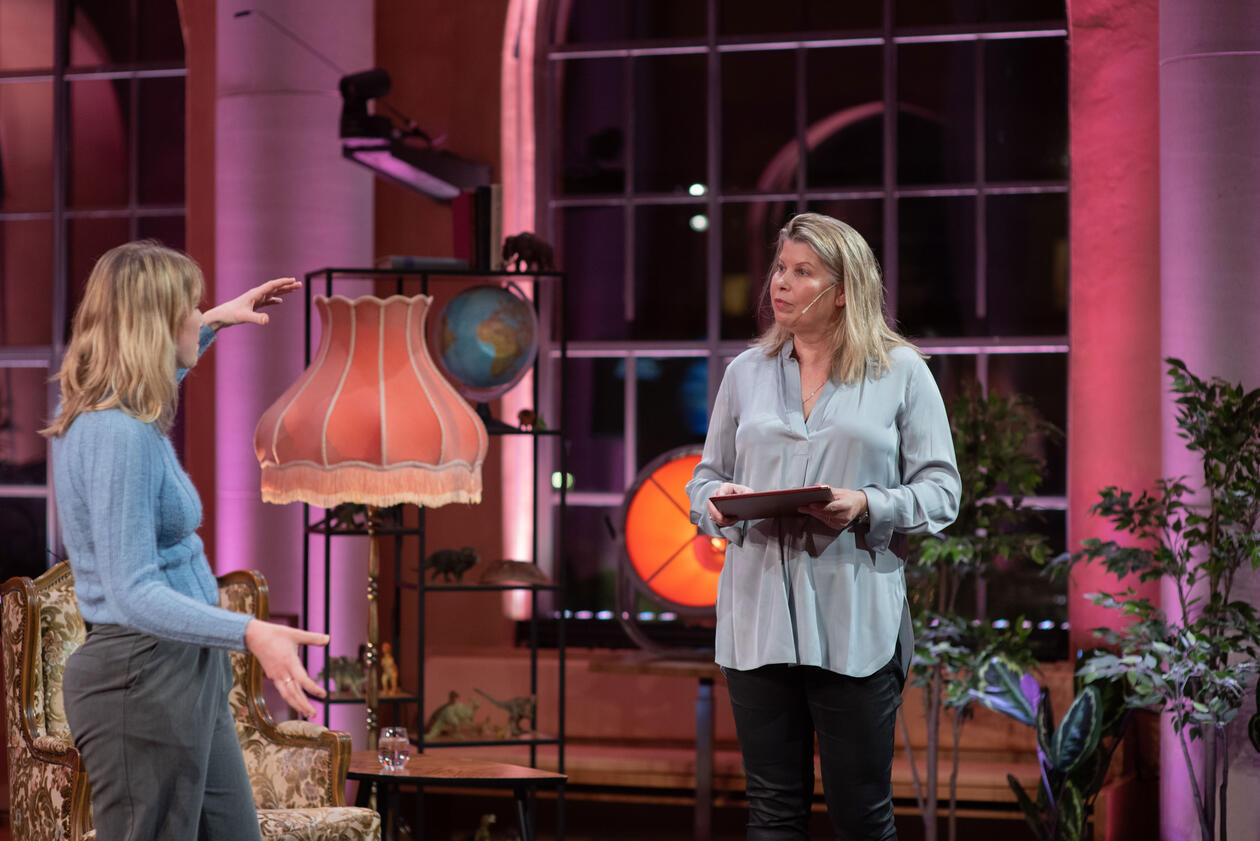 Vilde Friis Ruud og Kikki Kleiven på Aarebrotforelesningen 2021