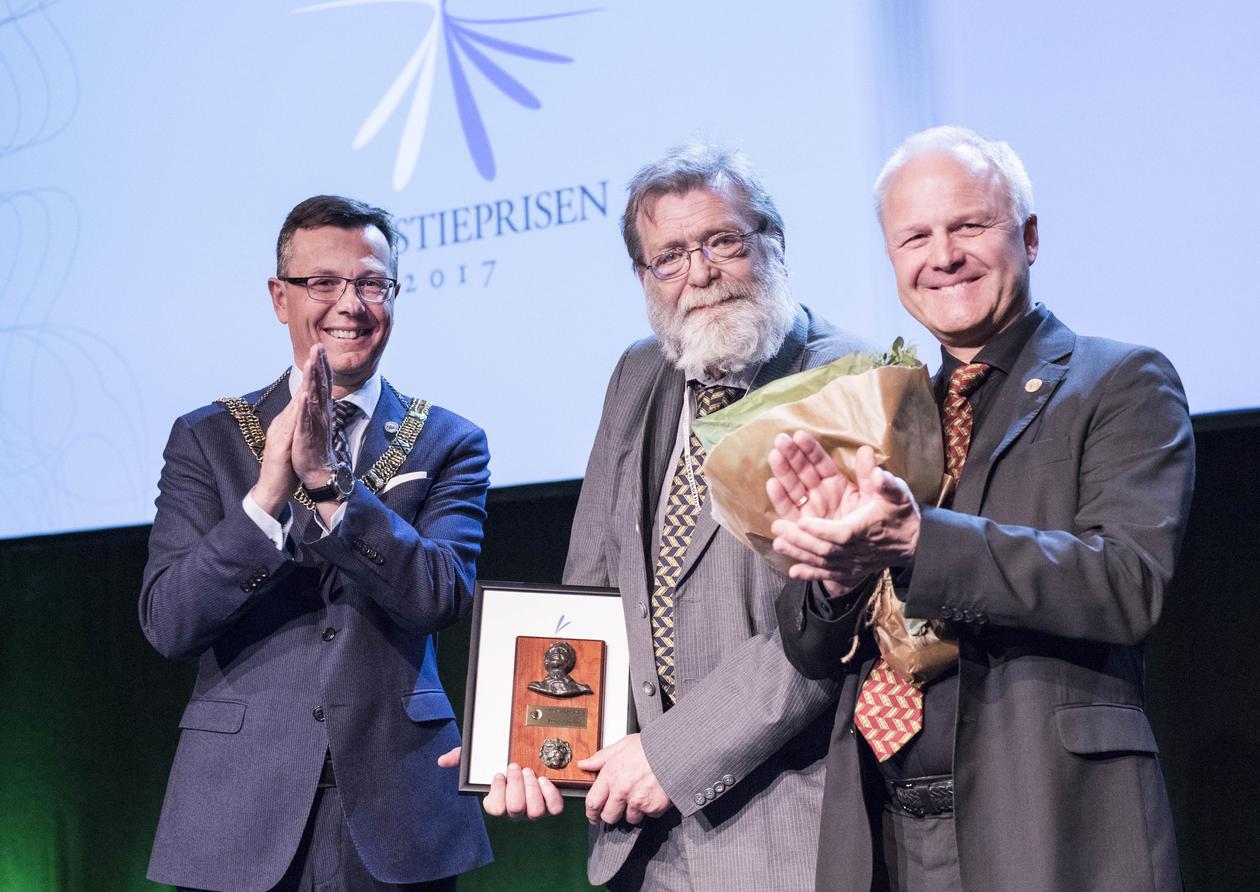 Christieprisen, Frank Aarebrot, Christiekonferansen