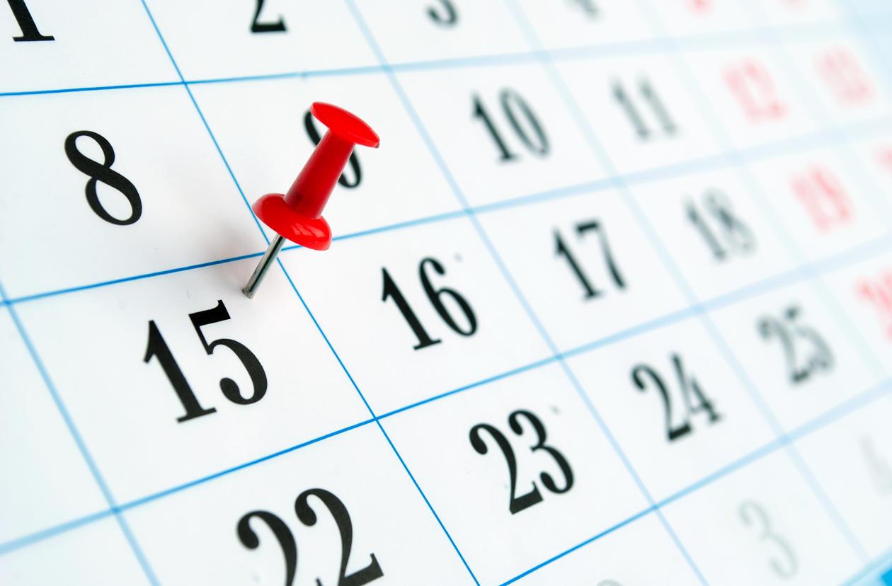 Kalender med tegnestift på dato,  illustrasjon fra Colourbox