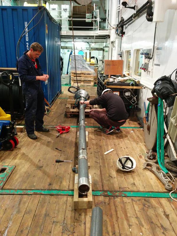 preparing the gravity corer