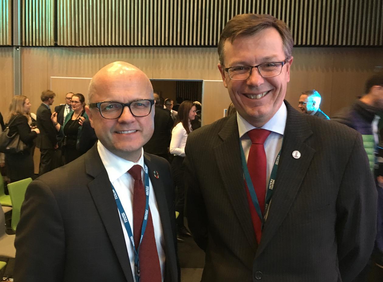 Rektor Dag Rune Olsen møtte Vidar Helgesen