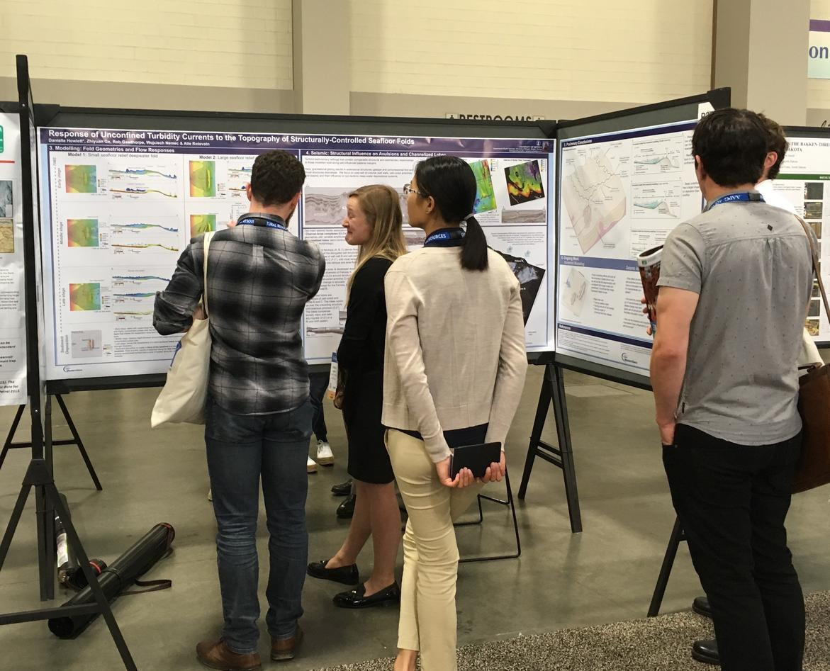 Picture of the awardwinner poster at AAPG our Danielle Howlett