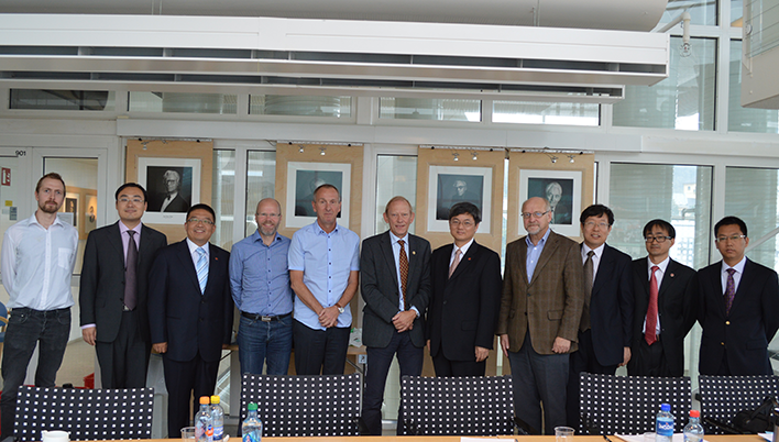 The delegation toghether with representatives of the Deparment of Economics