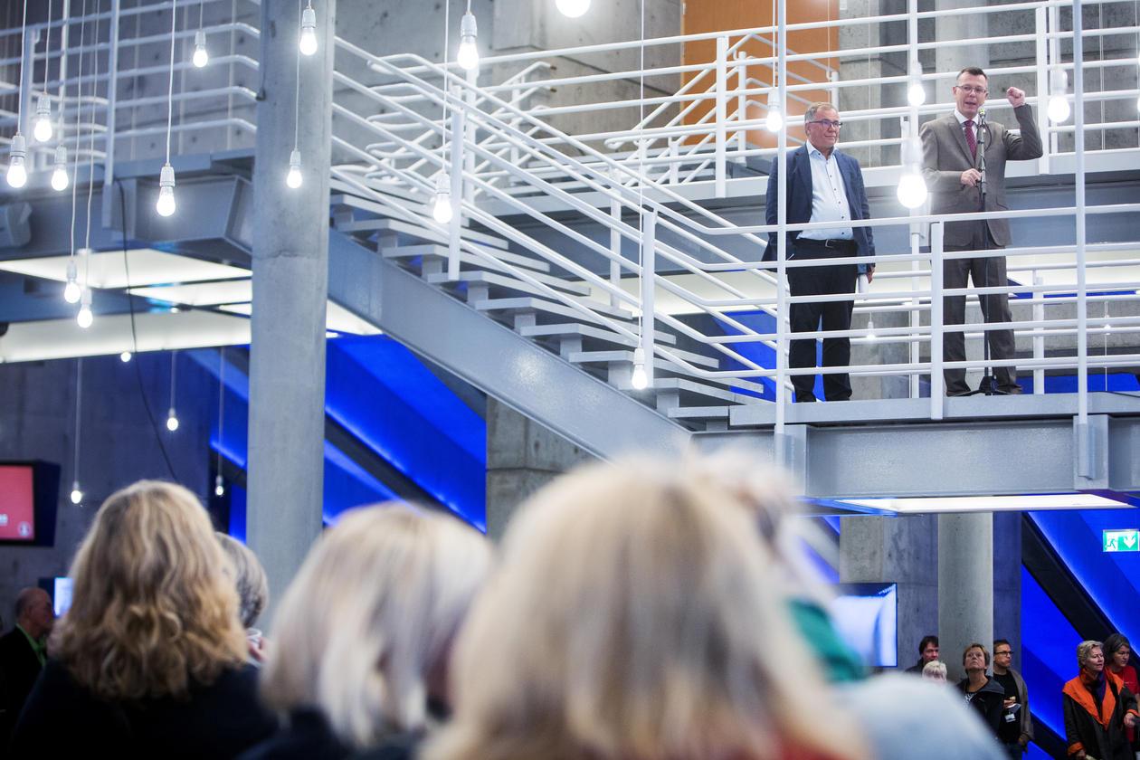 Rektor Dag Rune Olsen og universitetsdirektør Kjell Bernstrøm ynskte velkomen til digital myldredag.