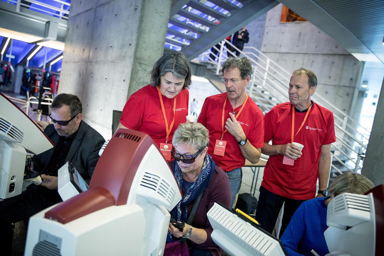 Den digitale tannlegestolen, ein simulator brukt av studentar til å lære seg teknikkar og verktøy, var særs populær under myldredagen.