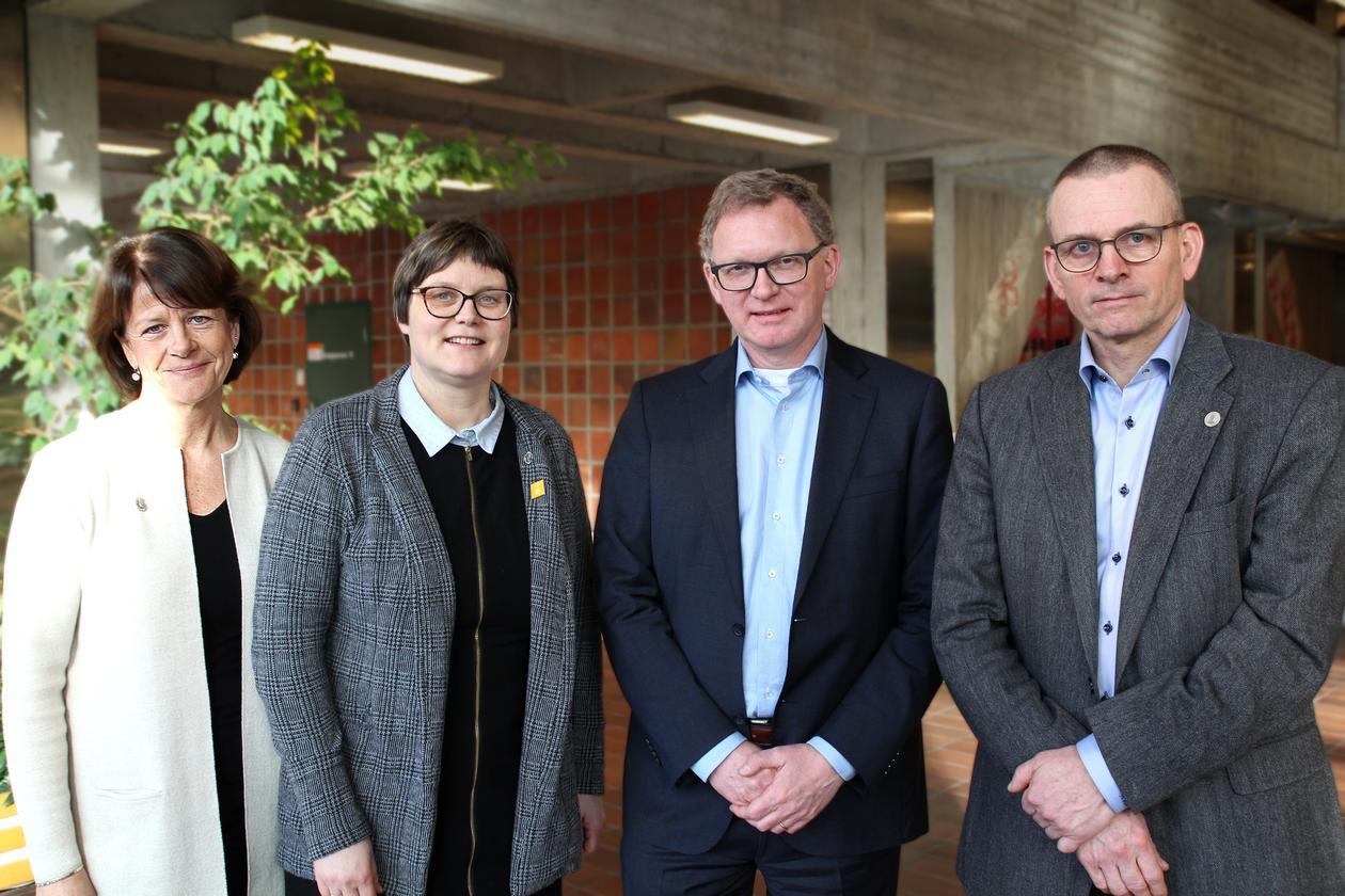 Gunn Mangerud, Kristine Gudbrandsen Frøysa, Dirk Smit, Helge K. Dahle