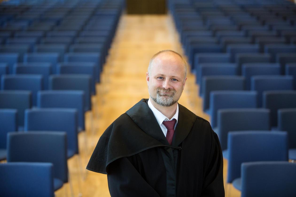 Arnt E. Skjefstad