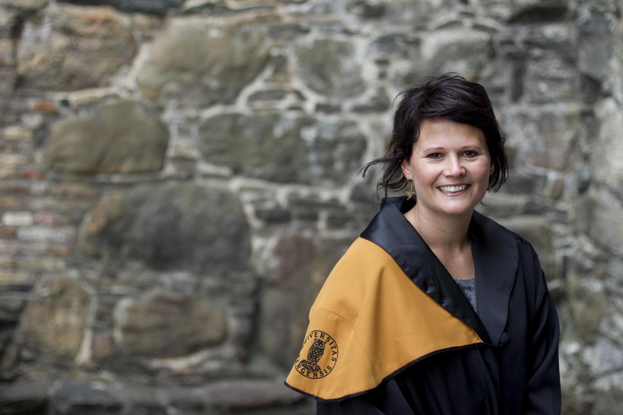 Lise Øen Jones, tok doktorgrad ved Det psykologiske fakultet