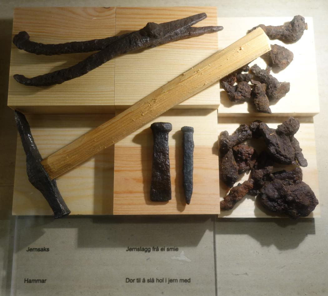 Objects of iron and slag