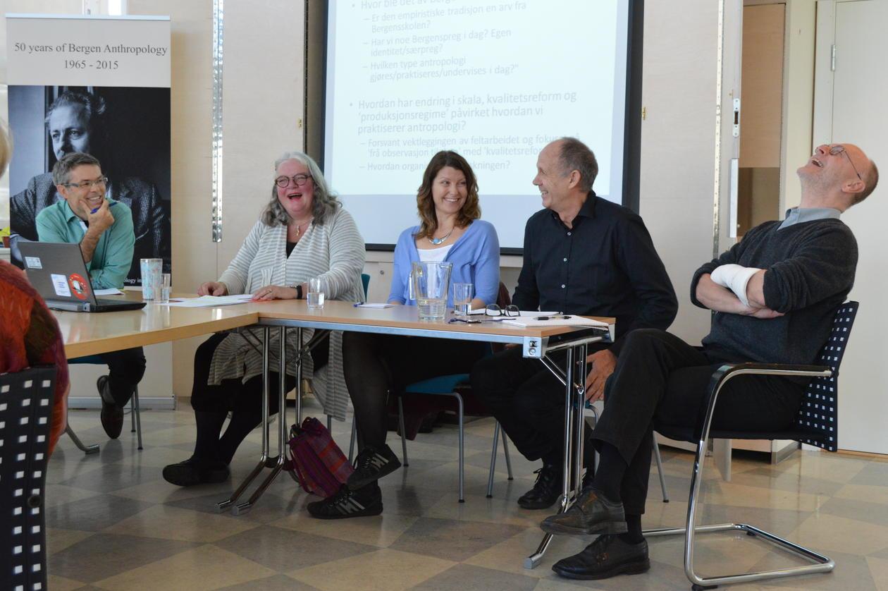 Paneldebatt om instituttets historie førte til mange gode anekdoter